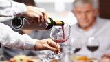 ¿Cómo el vino tinto previene la pérdida de memoria?