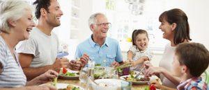 Las interacciones sociales pueden garantizar ser feliz.