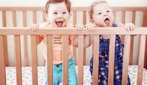 Qué puede ser más gracioso que ver a un bebé a escondidas
