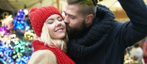 Ésta es la romántica historia de los besos bajo el muérdago